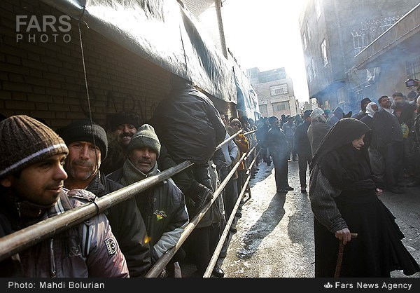 IRAN FOOD QUEUES 2