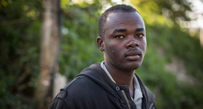 "Britain & France Feature: Refugees in Calais Talk About Desperate Conditions in ""The New Jungle"""