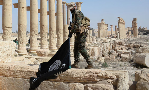 Syria Daily: With Russia & US Help, Regime Takes Palmyra from ISIS