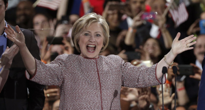 US Analysis: Clinton Wins Big in New York, But Battle for Democratic Party's Soul Continues