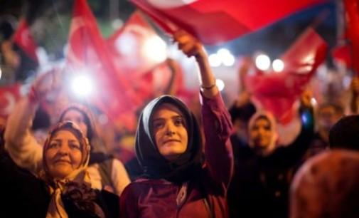 """Turkey Feature: How WikiLeaks """"Put Millions of Women in Potential Danger"""""""