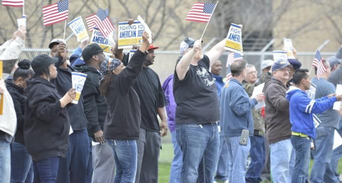 "US Analysis: Trump Won't ""Bring Back Millions of Jobs"""