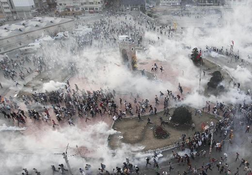Middle East Today: Turkey — Police Move Into Taksim Square