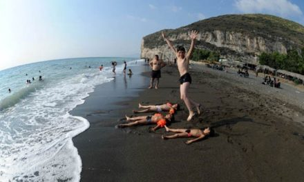 Syria Special: State Media Say Food Plentiful, Peasants Happy, Beaches Tranquil
