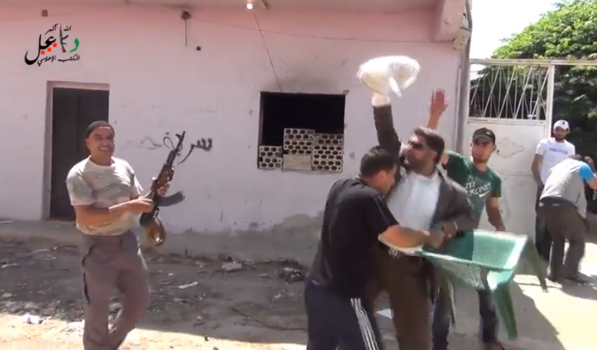Syria Video: A Different Type Of Street Battle Breaks Out In Da'el
