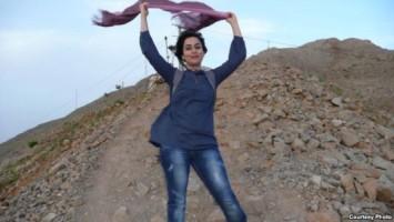 IRAN WOMAN WITHOUT HIJAB 2