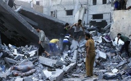 """Gaza 1st-Hand: Leaving Home Amid Israel's Warnings – """"10 Minutes, & Your Short History on Earth Will Be Erased"""""""