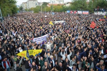 Turkey Daily, Nov 2: 1000s March for Besieged Syrian City of Kobane