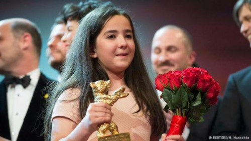 Iran Daily, Feb 15: Banned Director Panahi Wins Top Prize at Berlin Film Festival