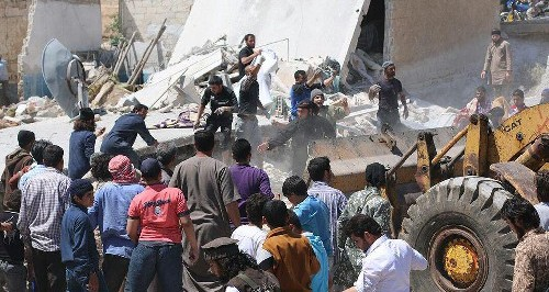 Syria Daily: Dozens of Civilians Killed by US Strikes on ISIS-Held City