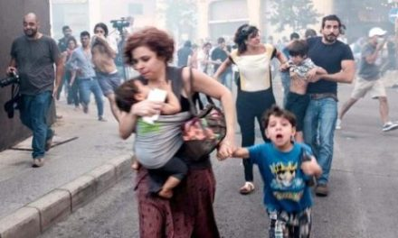 """Lebanon Feature: Police Fire on 1000s of """"Garbage Crisis"""" Protesters in Beirut"""