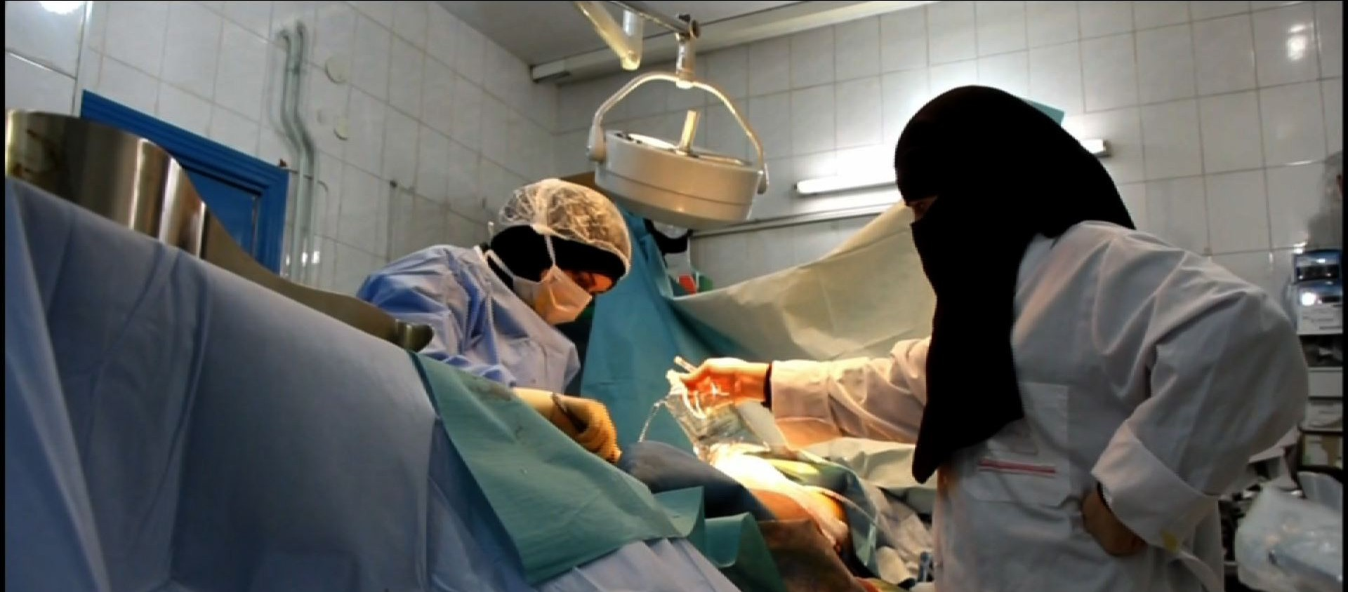 Syria Video: The Baby Born During A Barrel-Bombing