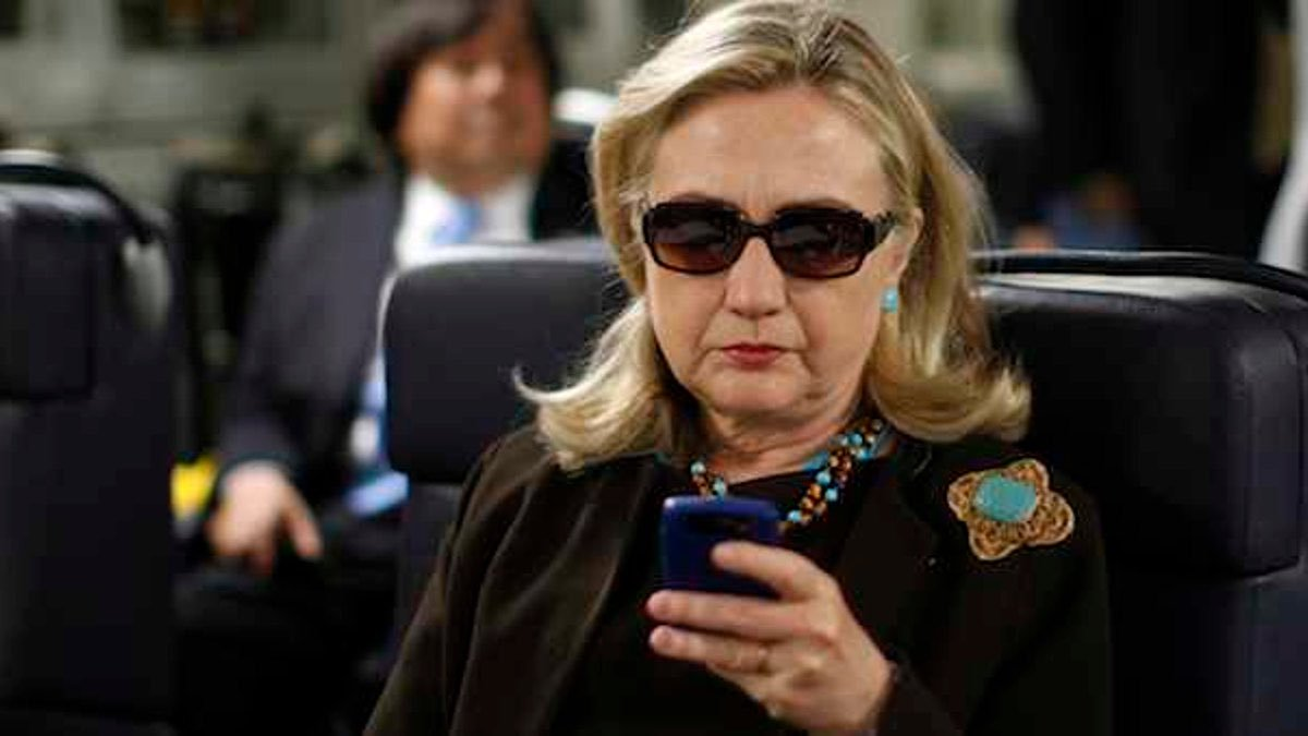 US Video Analysis: Will Clinton's E-Mails Lead to President Trump?