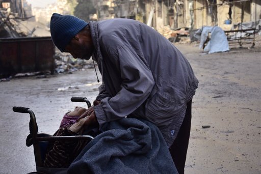 aleppo-dying-mother-12-16