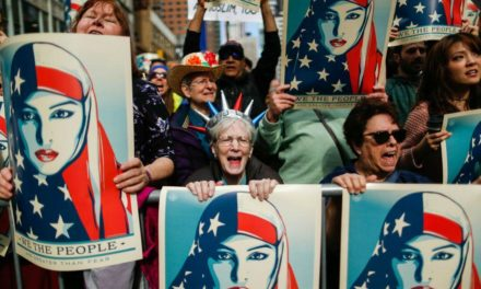 """Developing: Supreme Court Upholds Trump's """"Muslim Ban"""""""