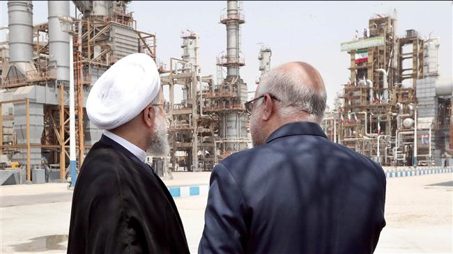 Iran Daily: Oil Production at Lowest Level Since October 2014