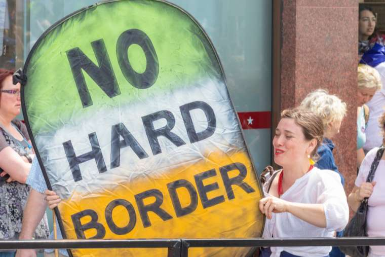 TalkRadio: From Brexit to a Hard Border for Ireland to the UK's Break-Up?