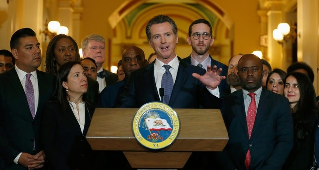 EA on Radio FM4: California Governor Suspends Death Penalty