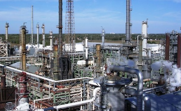 Iran Daily: Petrochemical Revenues to Fall By 30%