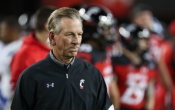 Tommy Tuberville as head coach fo the University of Cincinnati Bearcats, November 18, 2016 Cincinnati, Ohio (Ian Johnson/Icon Sportswire/Getty)