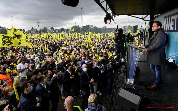 "Vlaams Belang's Populists Seek Lead of Belgium's ""Flemish Front"""