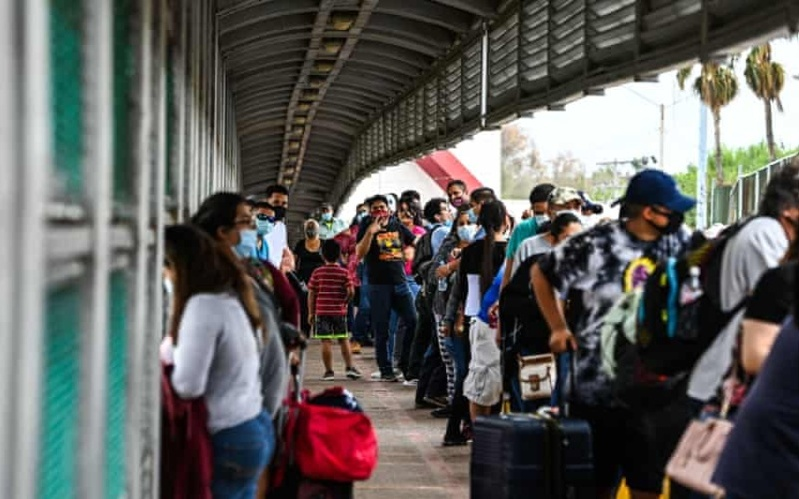 Biden Administration to Place Some Migrant Families in Hotels