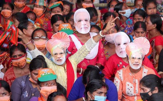 Coronavirus: India's Modi Rallies As His People Die