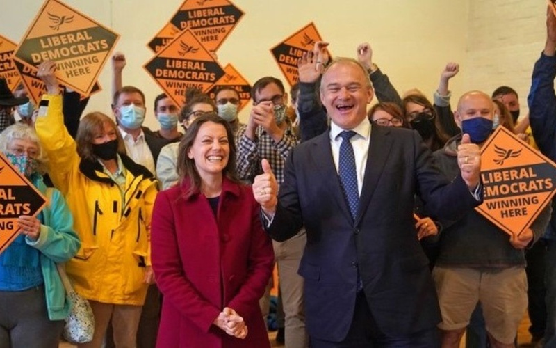 EA on talkRADIO: UK Politics — Are Both Conservatives and Labour in Trouble?