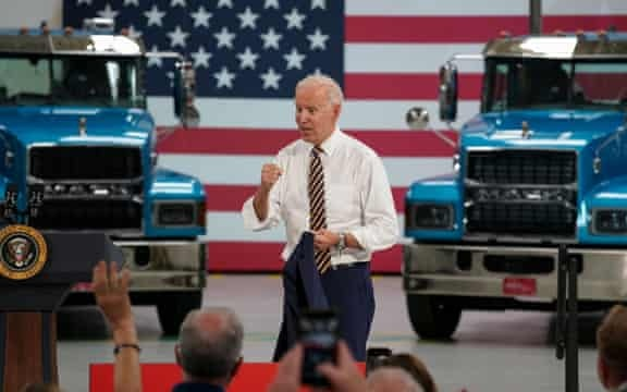 Pelosi Sets October 31 Deadline to Pass Infrastructure Bill