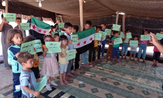 Rukban's Displaced Syrians Turn Away Empty UN Trucks